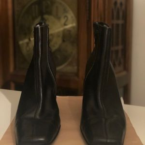 ANNE KLEIN-SHORT BLACK LEATHER SHOE BOOTS